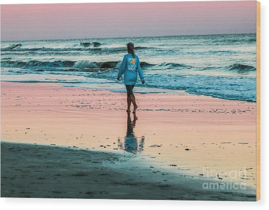 Sunset Stroll In The Surf Hilton Head Wood Print