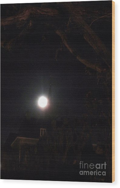 Super Moon 03.19.2011 Wood Print by Valia Bradshaw