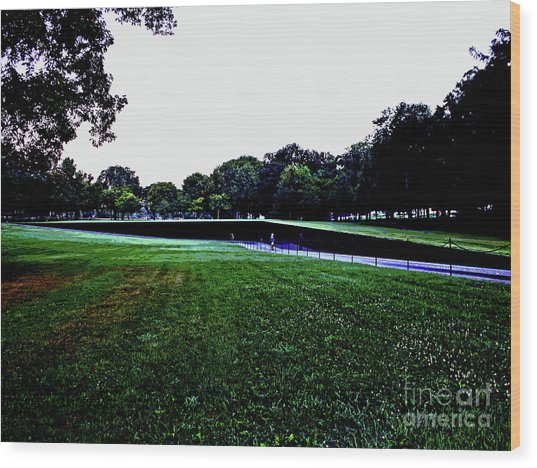 Tranquility At Sunrise  Vietnam Memorial Wood Print