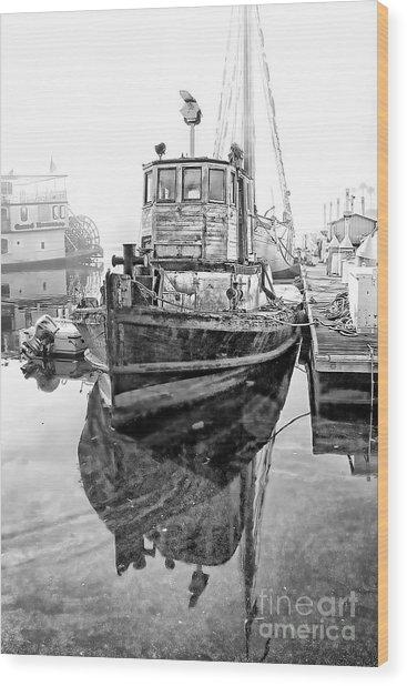 Tug Boat Wood Print by Hartono Tai