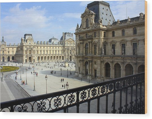 Walking At The Louvre Wood Print