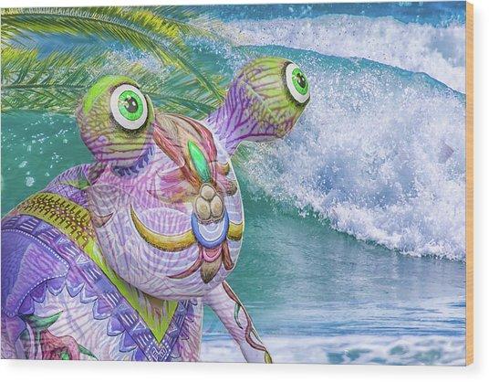 10859 Aliens In Paradise Wood Print