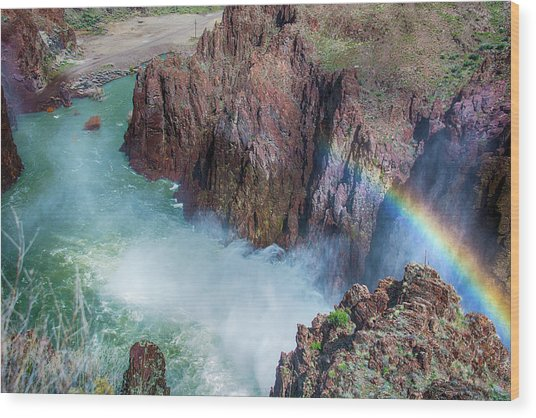 10883 Rainbow Over Owyhee Wood Print