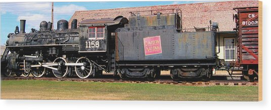 1158 Steam Train Wood Print
