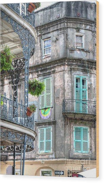 1358 French Quarter Balconies Wood Print