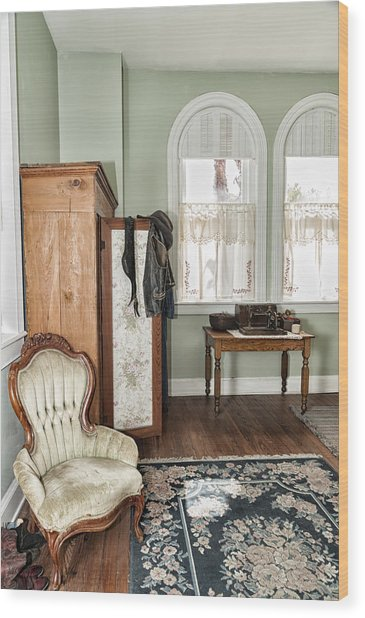 1800 Closet And Chair Wood Print