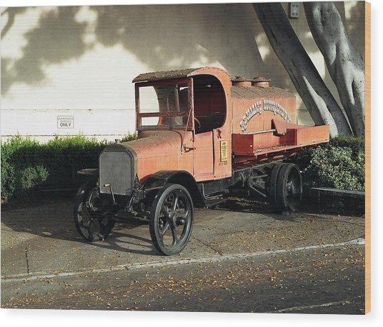 1922 Mack Truck Wood Print