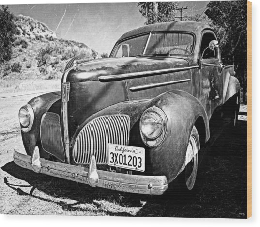 1939 Studebaker Coupe Truck Wood Print by Glenn McCarthy Art and Photography