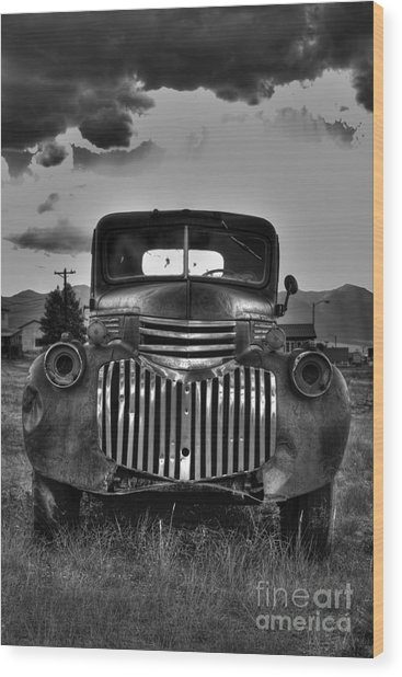 1940's Chevrolet Grille Wood Print