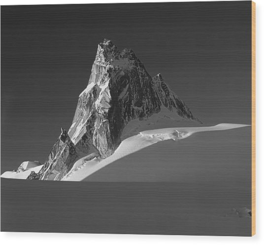 1m2716-bw Sunrise On Pigeon Spire Wood Print
