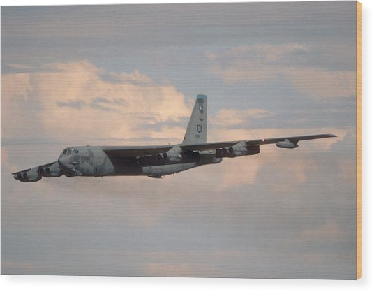 Boeing B-52g Stratofortress 59-2565 93rd Bomb Wing Castle Afb September 17 1992 Wood Print