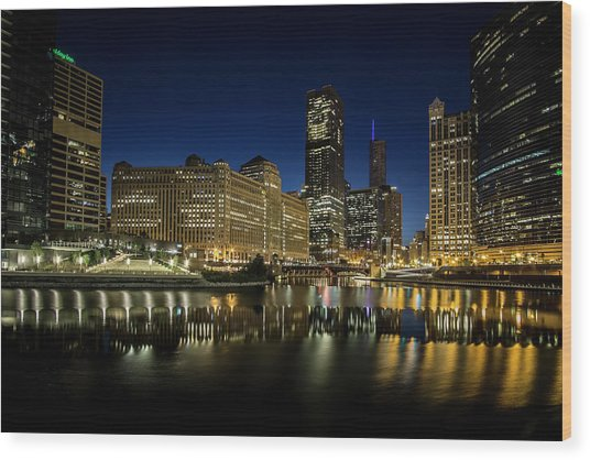 Chicago River And Skyline At Dawn Wood Print