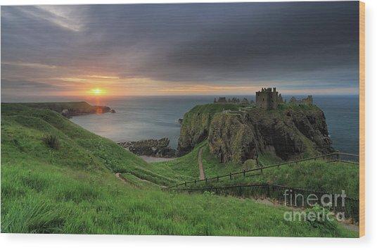 Dunnottar Castle At Sunrise Wood Print