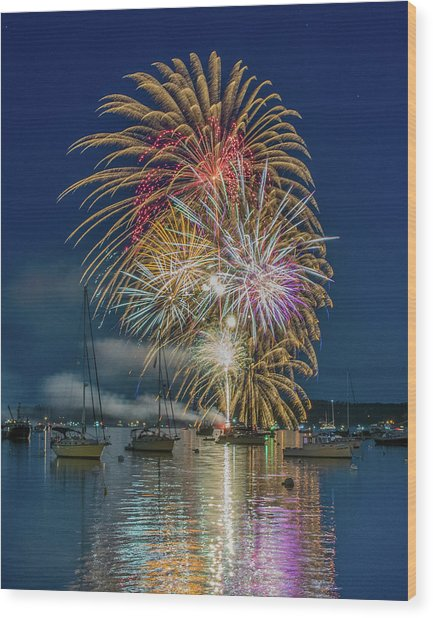 Independence Day Fireworks In Boothbay Harbor Wood Print