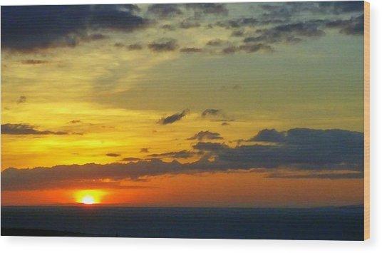 Extraordinary Maui Sunset Wood Print