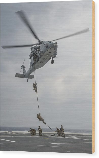 Mh-60s Sea Hawk Helicopter Us Navy Wood Print