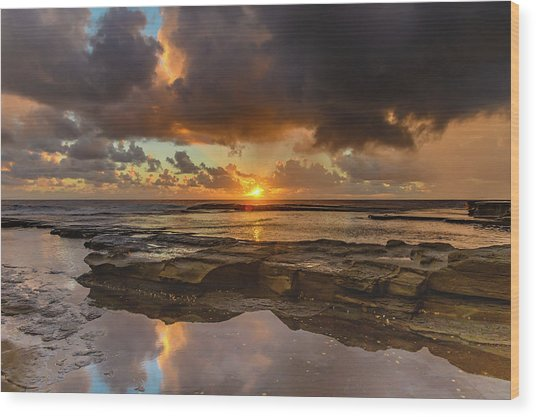 Overcast And Cloudy Sunrise Seascape Wood Print