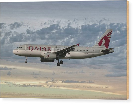Qatar Airways Airbus A320-232 Wood Print