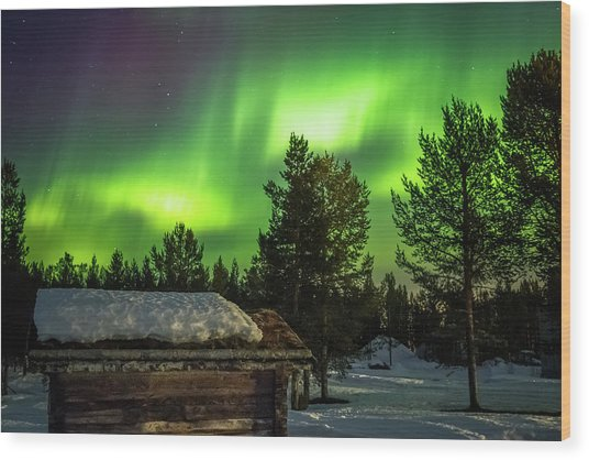 Sapmi Hut Under The Northern Lights Karasjok Norway Wood Print