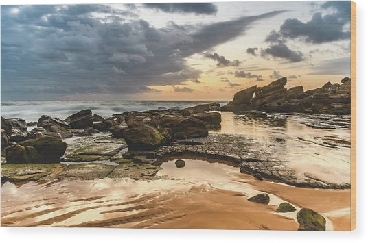 Dawn Seascape Wood Print
