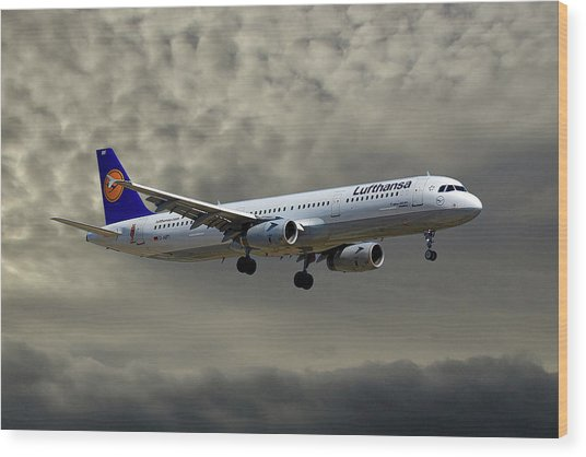Lufthansa Airbus A321-131 Wood Print