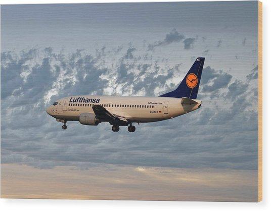 Lufthansa Boeing 737-300 Wood Print