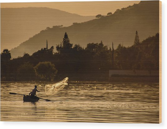 Net Fishing At Sunset Wood Print by Dane Strom