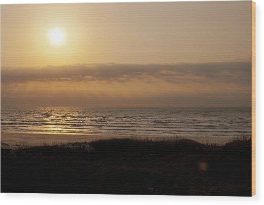 Sunrise At Beach Wood Print