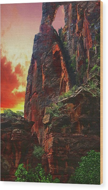 Sunrise In Canyonlands Wood Print