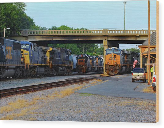 3 Train Meet In Monroe Wood Print by Joseph C Hinson Photography