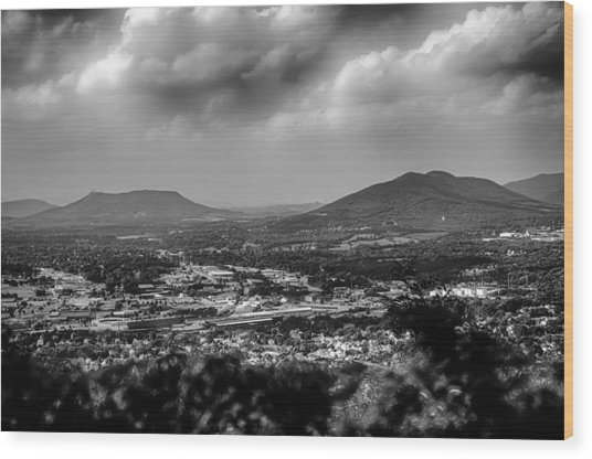 Roanoke City As Seen From Mill Mountain Star At Dusk In Virginia Wood Print