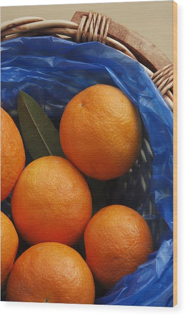 A Basket Of Oranges Wood Print by Steve Outram
