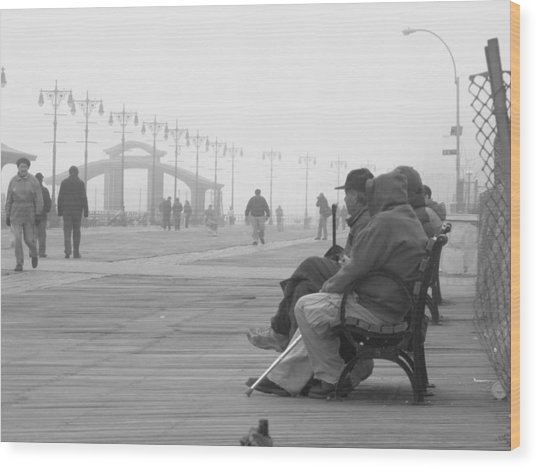 A Bench At Coney Island Wood Print by Peter Aiello