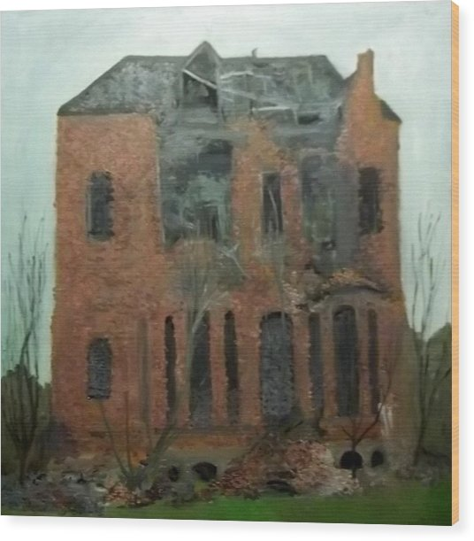 A Derelict House Wood Print