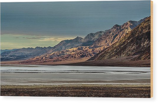 A Glow On The Amargosa Range Wood Print