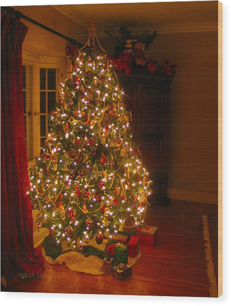 A Jewel Of A Christmas Tree Wood Print