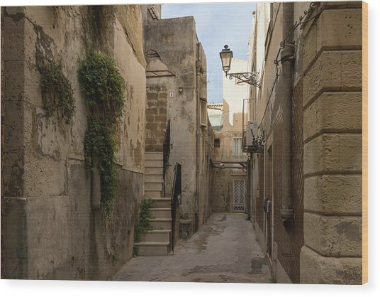 A Marble Staircase To Nowhere - Tiny Italian Lane In Syracuse Sicily Wood Print