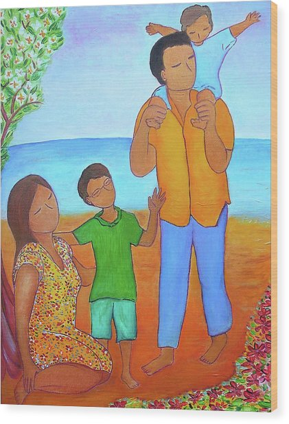 A Nice Family Of Four Wood Print by Gioia Albano
