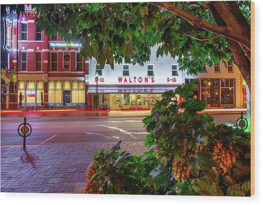A Night On The Bentonville Arkansas Square Wood Print