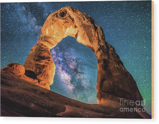 A Portal To The Milky Way At Delicate Arch Wood Print