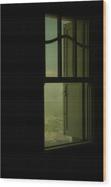 A Window Out To The Sea Wood Print by Valmir Ribeiro