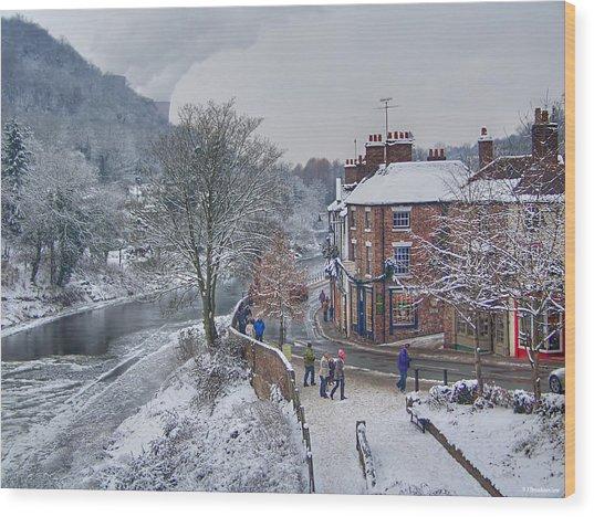A Wintry Street Scene In Ironbridge Gorge England Wood Print