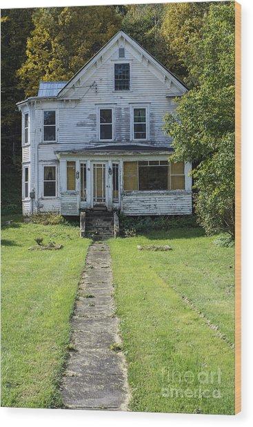 Abandoned Home, Lyndon, Vt. Wood Print