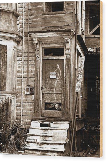 Abandoned 1 Wood Print by Melissa Wyatt