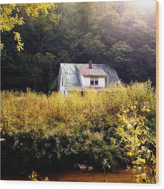 Abandoned Farm Home Wood Print by George Ferrell