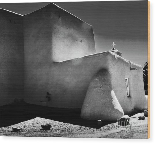 Adobe Church In B-w Wood Print