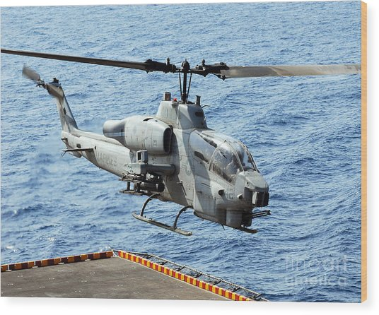 An Ah-1w Super Cobra Helicopter Wood Print