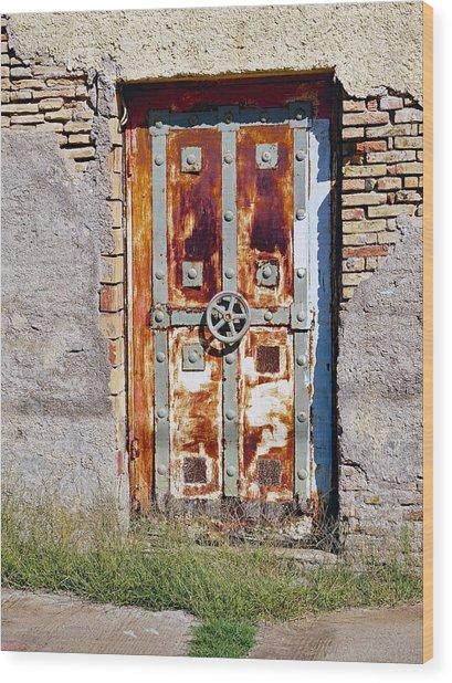 An Old Rusty Door In Katakolon Greece Wood Print