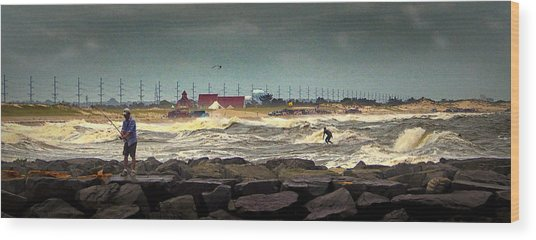 Angry Surf At Indian River Inlet Wood Print