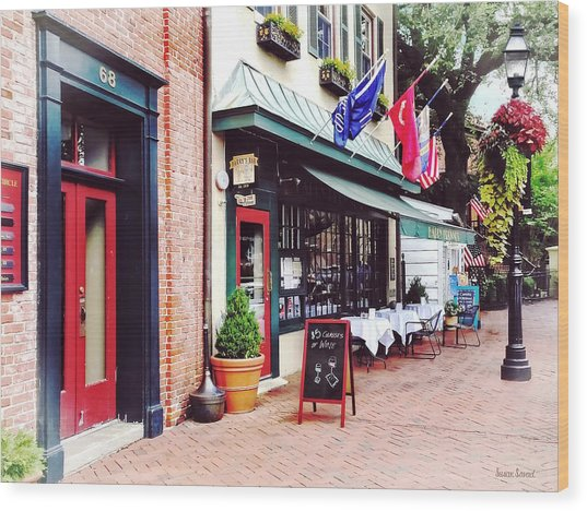 Annapolis Md - Restaurant On State Circle Wood Print by Susan Savad